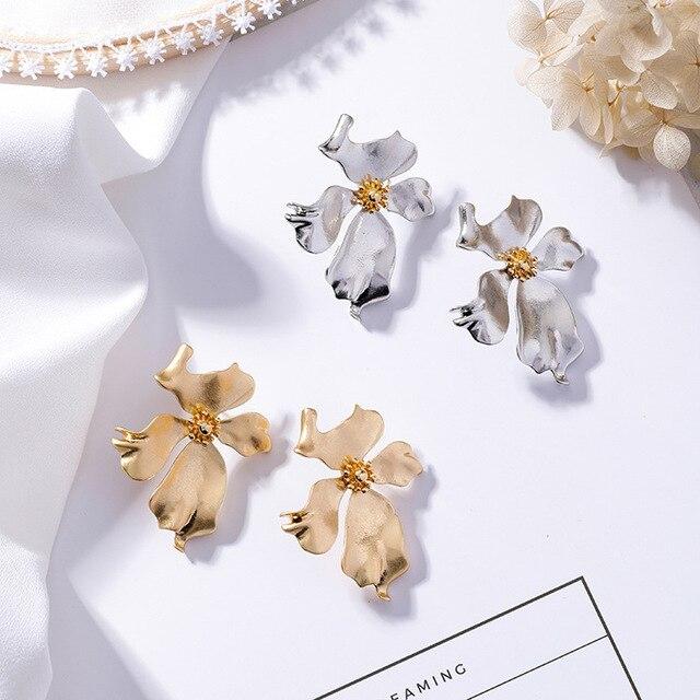 New Vintage Gold Color Metal Flower Earrings 5