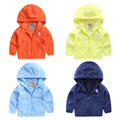 The boy windproof coat color 2017 new spring clothes children baby Hoodie U2276