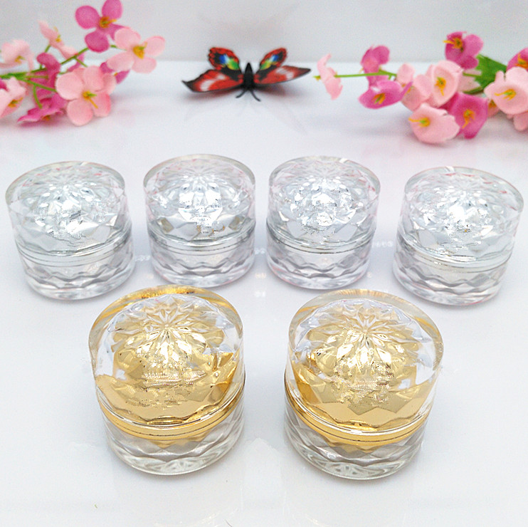 100pcs wholesale sivler and golden 5 g cream plastic small jars with lids luxury plastic 5g. Black Bedroom Furniture Sets. Home Design Ideas