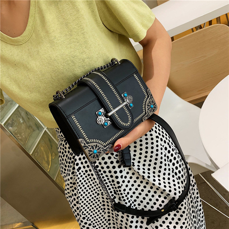 Texture Chain Fashion Bag Female Small Fresh Air Single Shoulder Messenger Bag Wild Small Square Bag 2019 Summer New Style in Top Handle Bags from Luggage Bags
