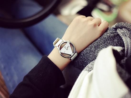 Szkielet zegarek Relogio feminino Trójkąt zegarka kobiet Delikatne przejrzyste pusta skórzany pasek wrist watch quartz dress watch 10