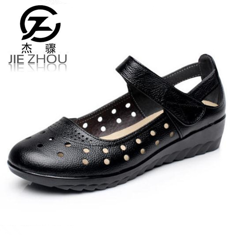 Summer leather hollow with flat shoes Small size 33 Large size 43 women's shoes Round head casual Middle-aged sandals obuv 2018 new summer casual genuine leather hollow flat shoes green black women shoes comfortable and breathable hole shoes obuv