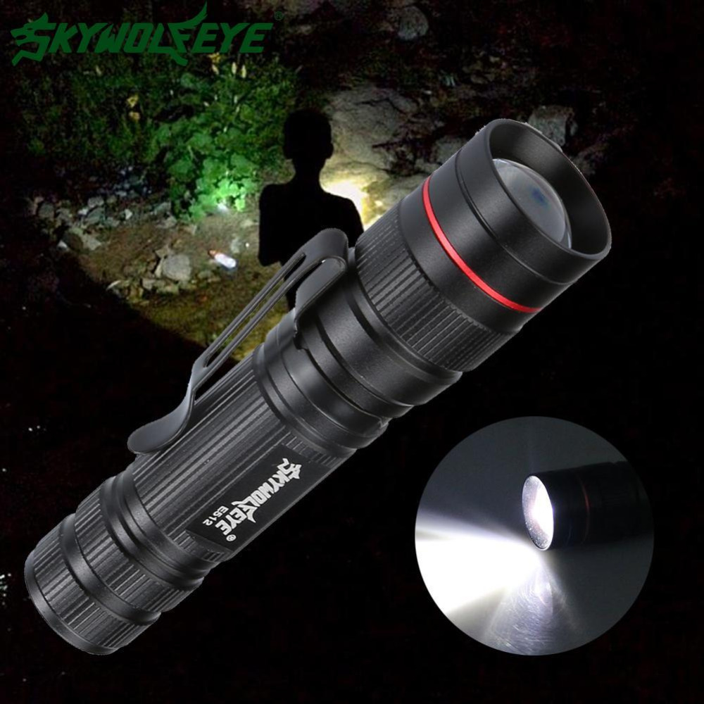 SKYWOLFEYE XPE 2000 LM waterdichte LED-flitslamp Verstelbare Focus - Draagbare verlichting