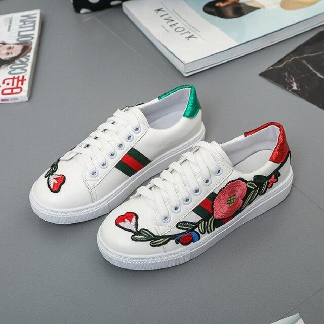 Chowaring marca Casual moda bordado Mujer Zapatos tacón plano Lace Up mujer mocasines primavera otoño blanco mujeres zapatillas pisos