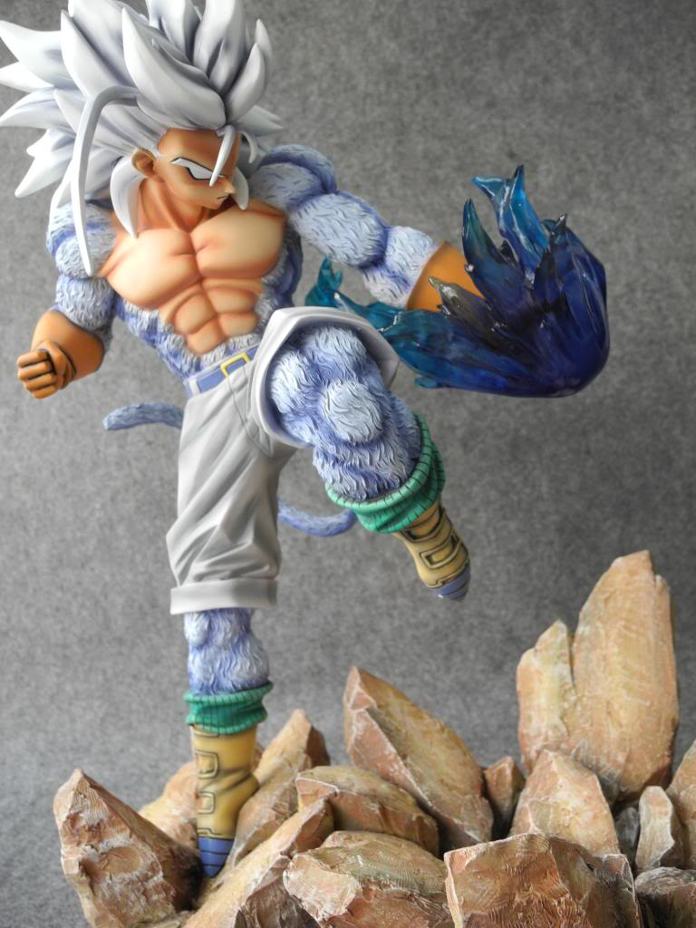 MODEL FANS Dragon Ball Z 31cm Super Saiyan 4 Trunks gk resin action figure toy for Collection model fans in stock dragon ball z 35cm super saiyangoku and time house gk resin statue figure for collection