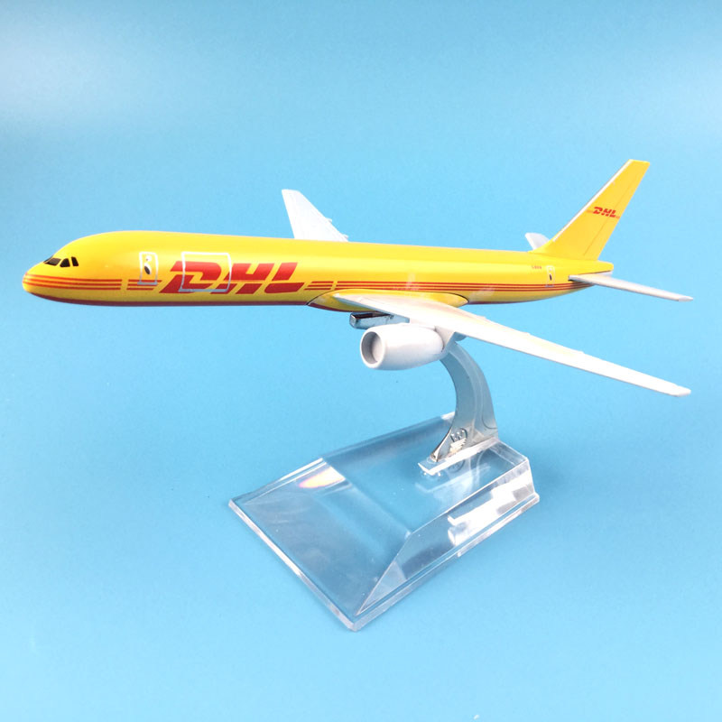 hot sell plane model Boeing 757 DHL cargo aircraft B757 16cm Alloy simulation airplane model for kids toys Christmas gift free shipping 16cm 757 dhl metal alloy model plane aircraft model toy airplane birthday gift
