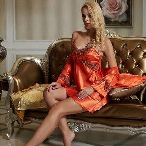Image 4 - Xifenni conjuntos de bata para mujer, ropa de dormir femenina de seda de imitación, moda de mujer, bata de baño de manga larga de encaje de dos piezas 1521