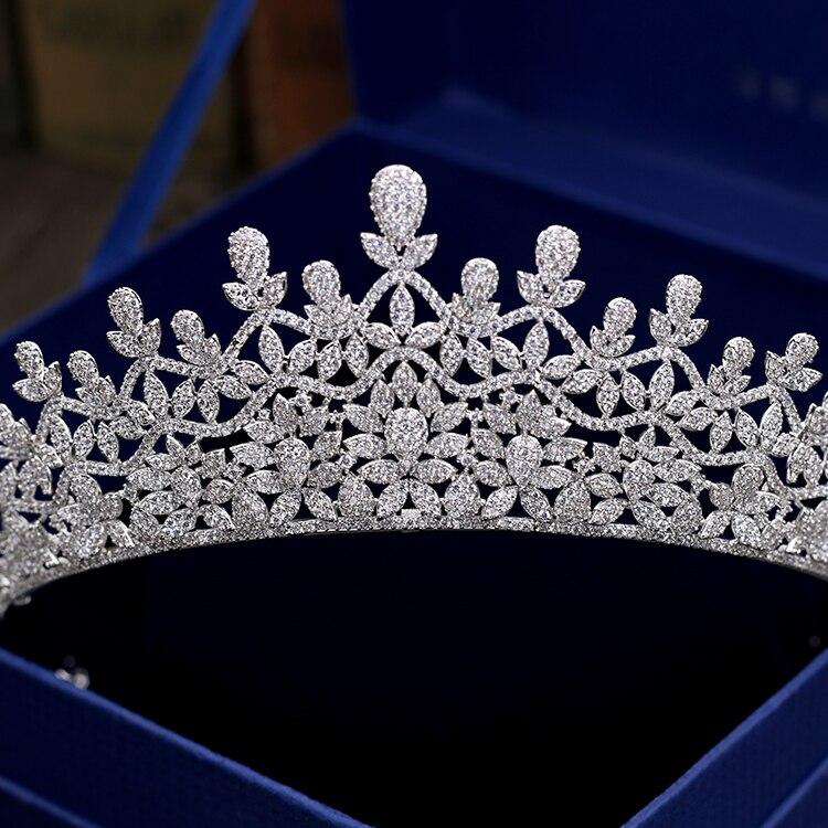 Takı ve Aksesuarları'ten Saç Takısı'de Klasik Tam 5A CZ kübik zirkon Kraliyet Düğün Gelin Gümüş Ton tiara taç Kadınlar Kız Parti Saç Takı Aksesuarları S00032'da  Grup 2