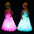 New Kids Brinquedos Elsa/Anna LEVOU Luzes Coloridas gradiente de cristal Luz Da Noite Levou brinquedo do feriado do natal Da Lâmpada com bateria presente