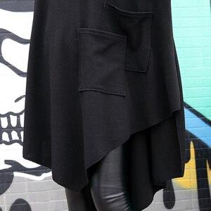 Image 5 - [EAM] 2020 جديد أسود فضفاض غير النظامية فستان س الرقبة كامل كم من جانب واحد ثنائي الجيوب الربيع الشتاء النساء المد الموضة JH484