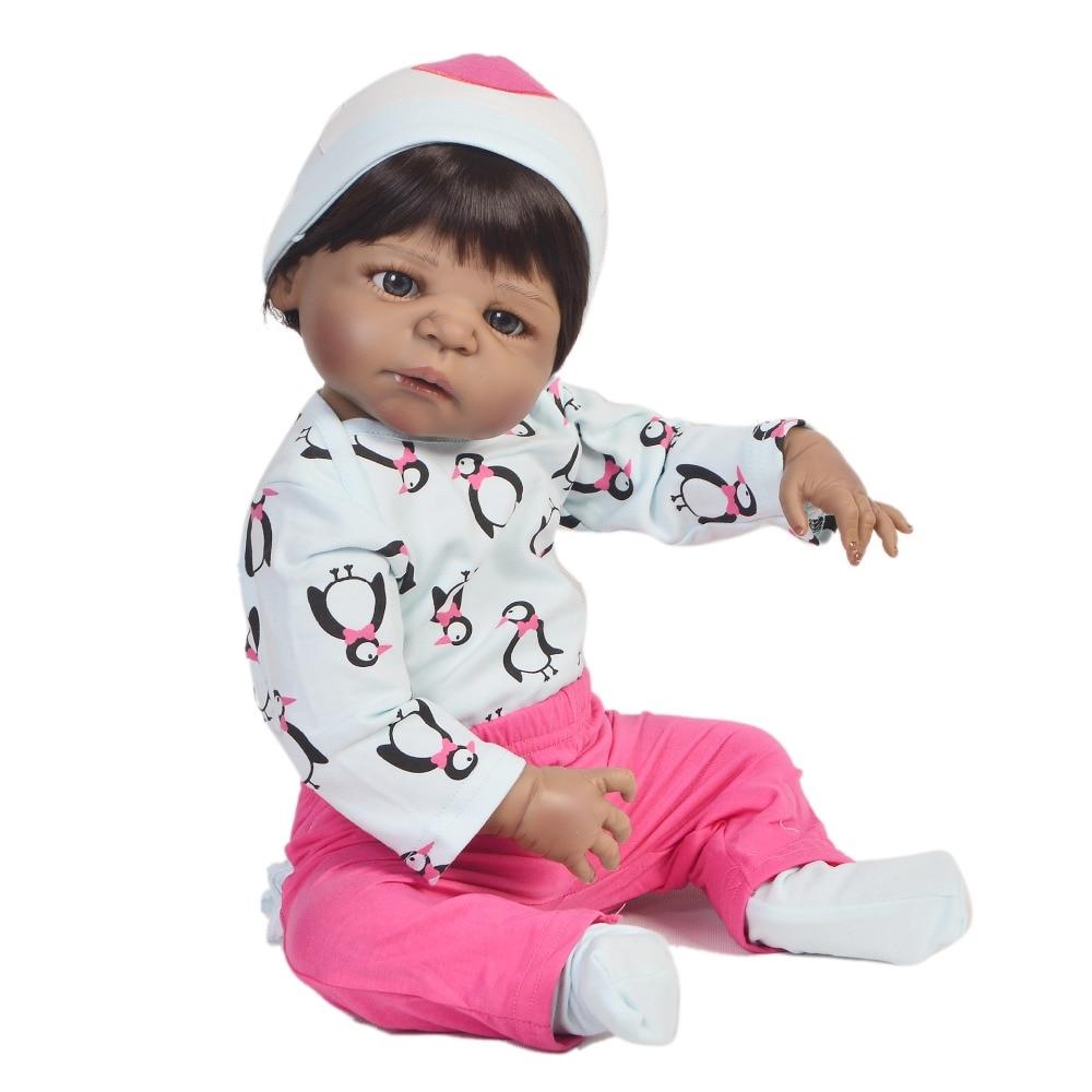 55 CM lisse peau noire Reborn bébé Adorable princesse poupée Reborn Silicone boneca bébé vivant poupée en pingouin vêtements mignon cadeau