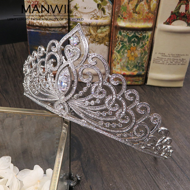 Glittering and translucent AAA Zircon Tiaras Bridal Crowns Wedding Hair Accessories For Women Birthday Gift Gril HA20050