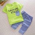 O envio gratuito de 2017 listrado verão T-shirt + calças de algodão de manga curta meninos terno do bebê de dois conjuntos de peças
