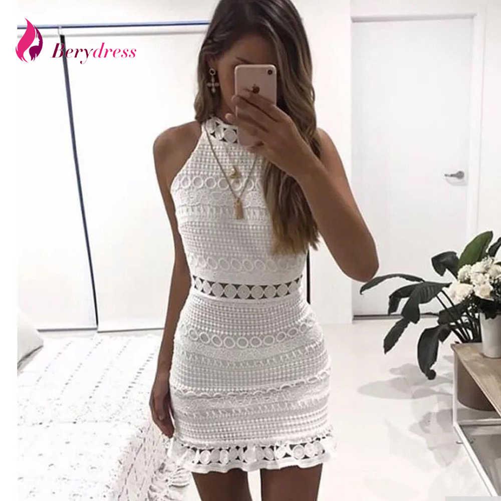 Женское платье без рукавов Berydress бордовое облегающее с высоким воротником белое