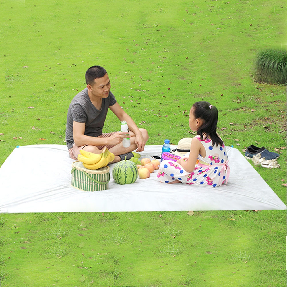Free Shipping 3 - 6 People 150 x 200CM Outdoor Water Resistant Oil-proof Disposable Outdoor Camping Beach Picnic Ground Mat
