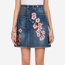 Verano Vintage azul Falda corta Denim mujeres 2018 diseñador Floral bordado  señora fiesta alta cintura Jeans falda una línea Ves. 58fff10c4cb9