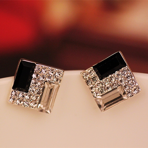 Korean fashion wild OL elegant black and white square crystal stud earrings