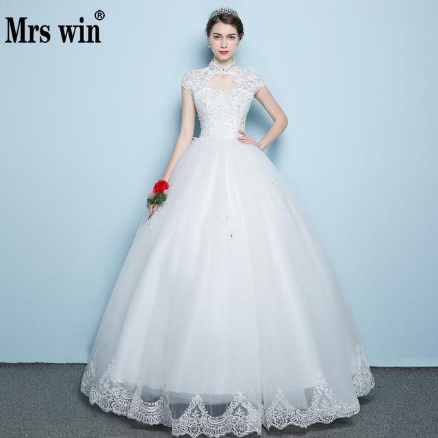 2018 Elegant Lace Wedding Dresses Beautiful Lace Flowers Long Train
