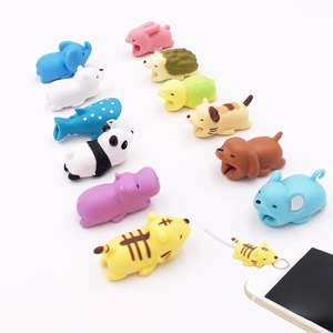 Image 1 - Nuevo enrollador de Cable lindo Animal Bite Cable Protector para iPhone Cable Chompers enrollador organizador Panda Bites muñeca soporte modelo