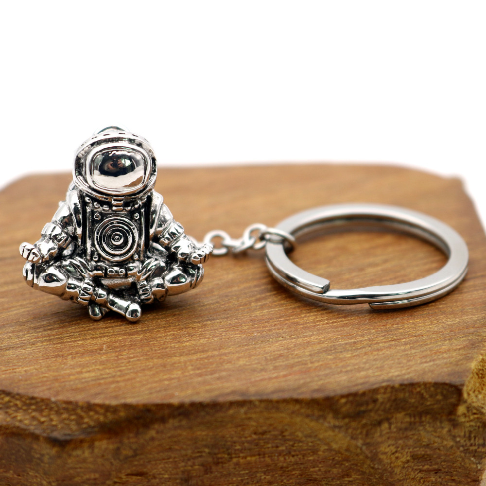 Astronaut Keychain Galaxy Universe Meditation Spaceman Key Chains Stainless Steel Rings Chains Personalised Creative Car Keyring