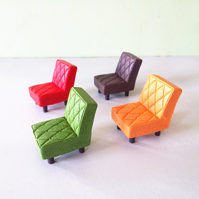 Vintage Plaid Sofa Chair Miniature Fairy Garden Home Decoration Mini Craft  Dollhouse Micro Decor DIY Gift