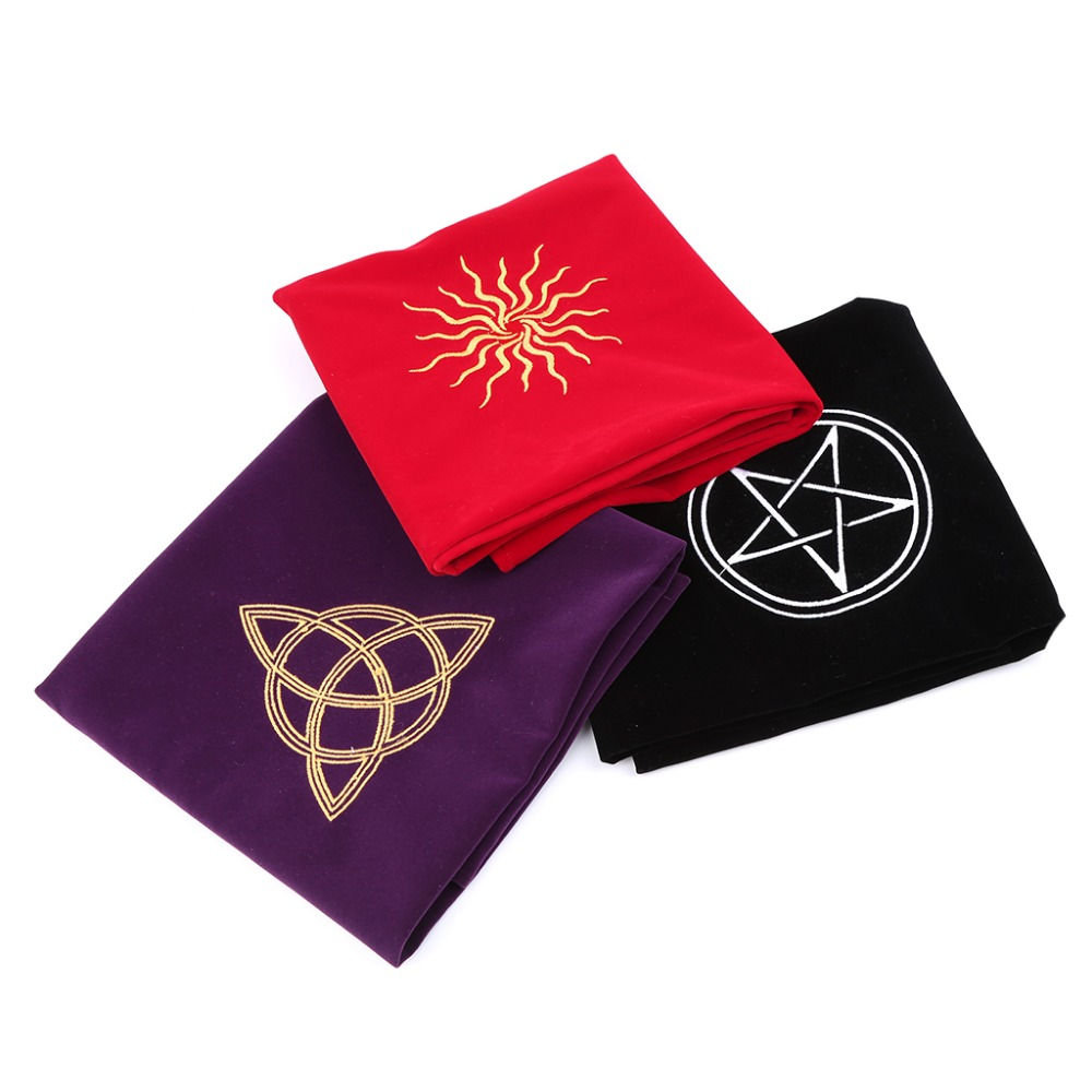 60*60cm Velvet Tarot Tablecloth Altar Wicca Pentacle Sun Embroidery Board Game