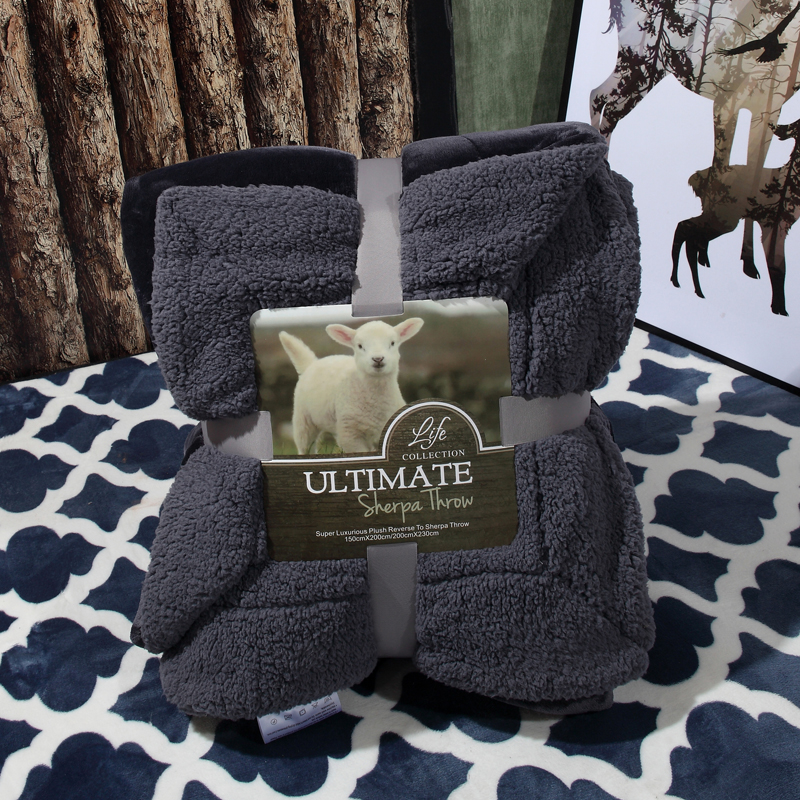 fan of the old man coral velvet flange blanket thickening blanket 200x230cm  with  navy color Lambs wool size very old man with enormous wings
