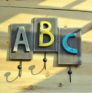 Free Shipping! New Arrival Vintage Style Wooden ABC Design Wall Hanger with 3 hooks Coat Hanger Home Decoration! W1017