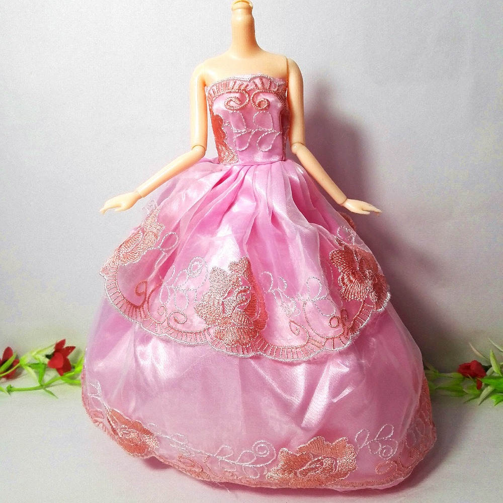 One Pcs 2017 Princess Wedding Dress Noble Party Gown For Barbie Doll Fashion Design Outfit Best