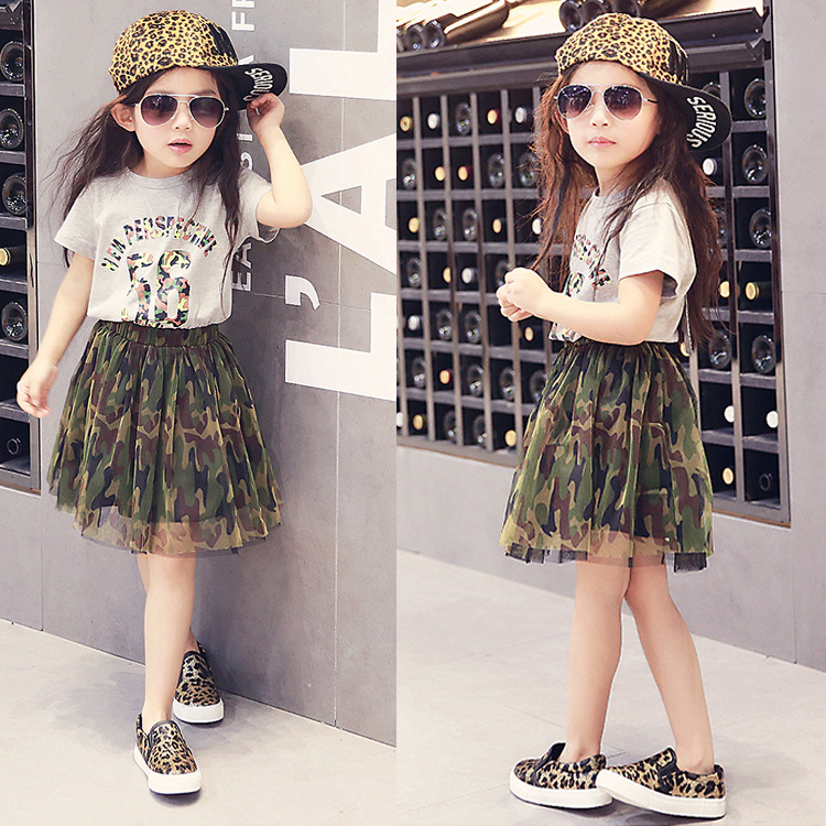 Фото 2016 Summer New Korean Girls Camouflage Gauze Tutu Skirts + Short-sleeved Letter T-shirt Set Kid Fashion  Clothing Sets