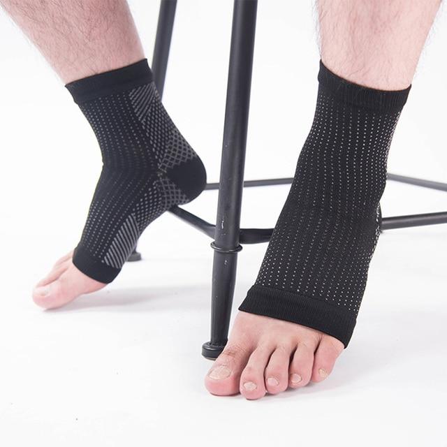 болит колено нога немеет