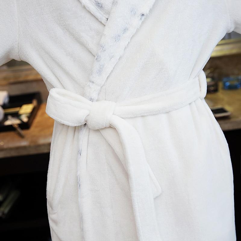 Neue Mode-liebhaber Luxus Haarfell Weichen wie Seide Flanell Lange Bademantel männer Winter Warme Kimono Bademantel Herren Morgenmantel Männlichen Roben