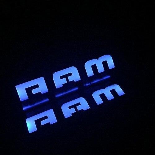 Prix pour Styling de voiture pour Dodge Ram 1500 2500 accessoires 2011-2015 led auto porte seuil protecteur lumineux seuil de porte d'usure plaque