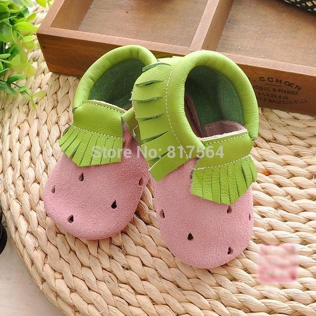 2016 nueva primavera de La Moda fresa fringe bebé zapatos Nuevos borla Del cuero Genuino mocasines moccs suaves del bebé recién nacido prewalker