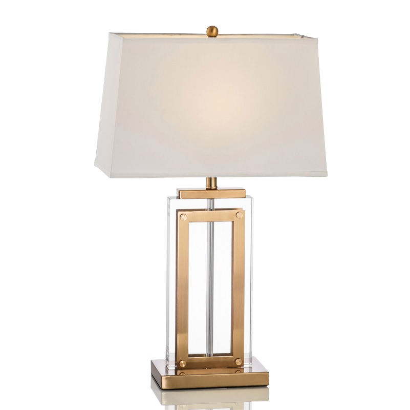 New York Design Table Lamp with Brass Coating Base / 62cm Height / Fabric Shade цена