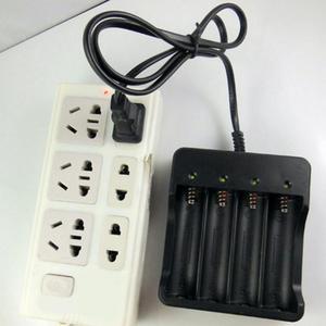 Image 3 - 18650 バッテリー充電 eu 米国のプラグイン用ユニバーサル充電 4.2 3.7v 18650 リチウムイオン電池充電器リチウムイオン吸う充電器