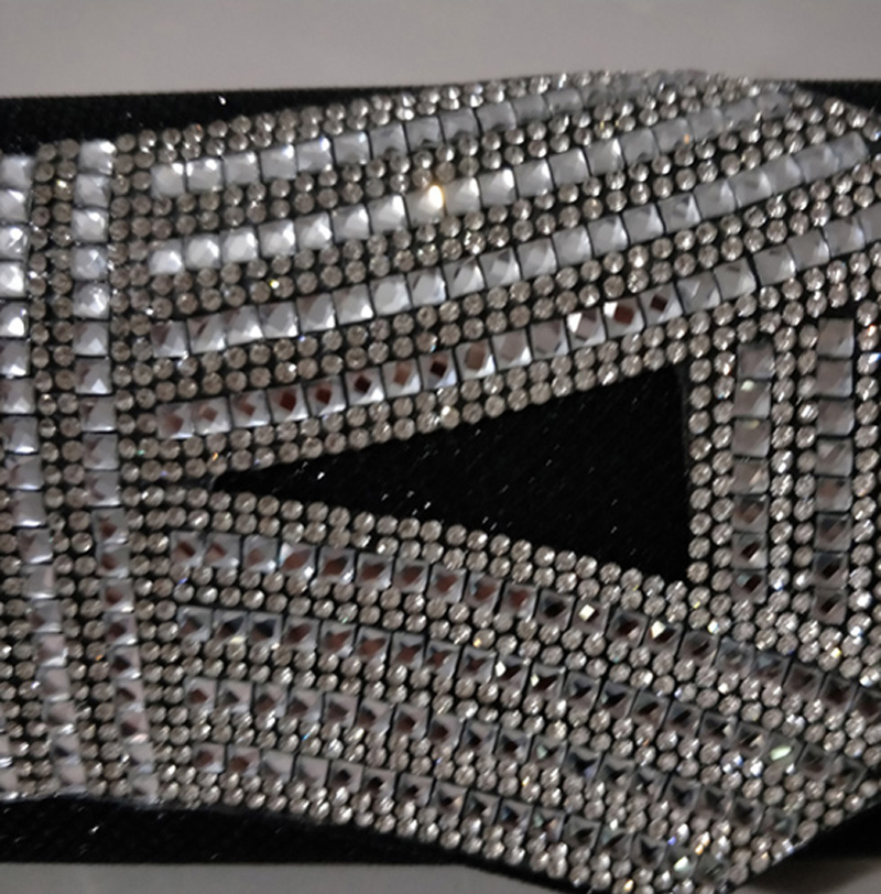 LOLIBOX Women 2018 Evening Clutch Bags Rhinestone Bow Flashing Day Clutches  Crystal Chain bags Bridal Wedding Party Cltches-in Clutches from Luggage    Bags ... 3cdc225a7655
