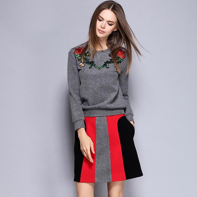 Alta Qualidade das Mulheres Top Appliqued Flor Sukajan Lembrança Bordado Sweatershirt stripe Mini Vestido Ternos Desgaste OL Fino