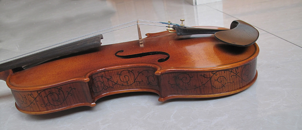 Sales of pure manual, lateral plate carve patterns or designs on woodwork, senior violin