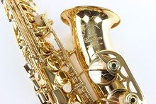 YAS – 875 Alto Saxophone E Flat Instrument Gold Plated Lacquer Plating FREE SHIPPING Brass Engraved Alto Sax Musical Instrument