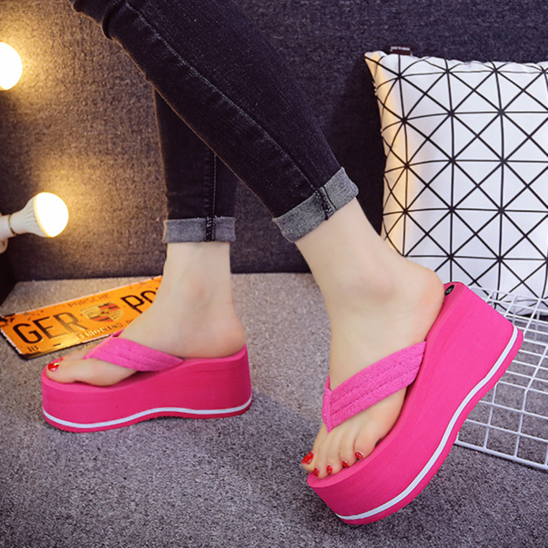 Damenmode Keil Plattform Tanga Flip Flops Slip On Sandalen Schuhe