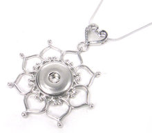 Free shipping snake Chain Necklace with heart flower DIY Fashion metal button Jewelry(China)