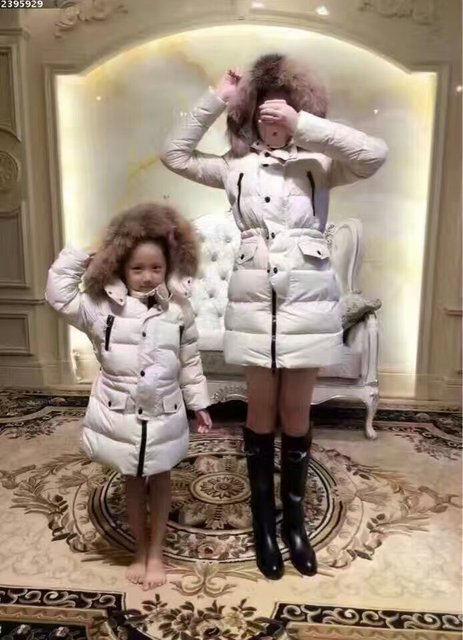 Семьи наборы 2016 зимняя Куртка Женщин вниз куртки Семьи набор Матери и ребенка меха с капюшоном женщин вниз стоимость Верхняя Одежда дети