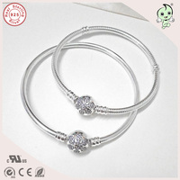Top Quality Famous Beautiful Snowflake Clasp Design CZ Paving 925 Sterling Silver Bangle And Bracelet
