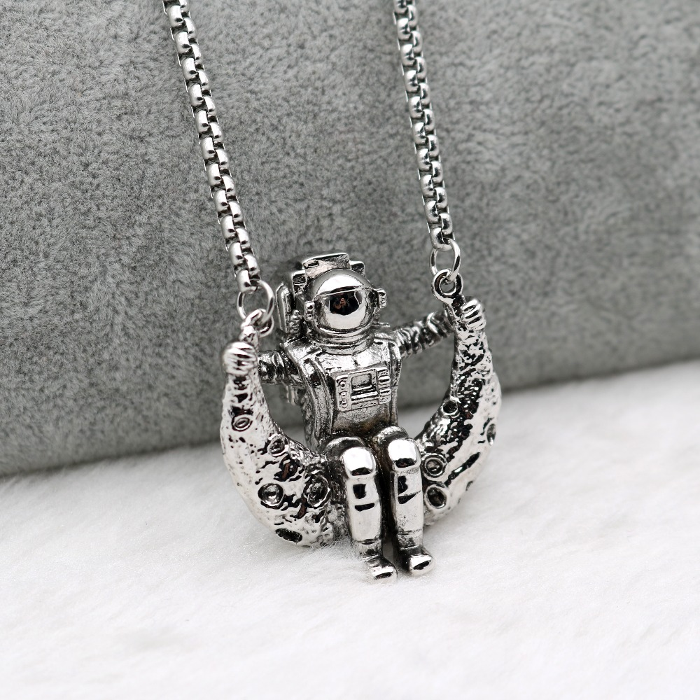 Astronaut On The Moon Novelty Design Pendant Necklace Men Women Universe Space Galaxy Stainless Steel Chain Necklace