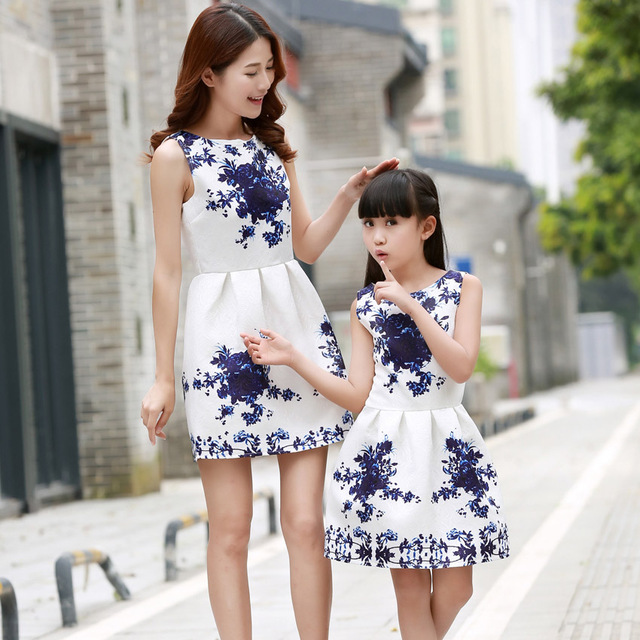 ee4ec73c3 Family Matching Outfits Mother Daughter Summer Cartoon Flowers Print ...