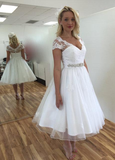 Us 74 26 6 Off Elegant Sexy Tea Length Lace Organza Cap Sleeve A Line Short Wedding Dresses Beach Bridal Gowns Robe De Mariee Brautkleider In