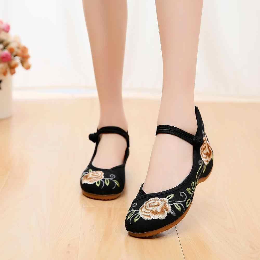 2019 Yeni çin ayakkabıları Kadın Nakış Mary Jane Kumaş Yassı Geleneksel Işlemeli Eski Pekin Çiçek Tuval rahat ayakkabılar