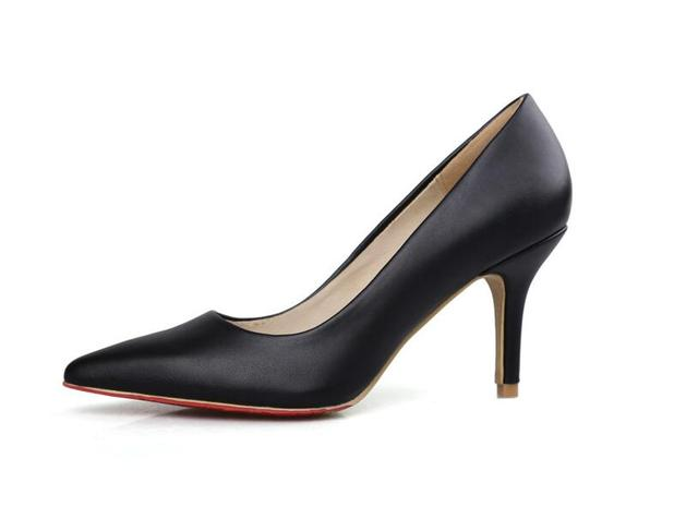 Модные туфли на высоком каблуке полые кожаный ремешок женщин насосы указал тонкие Каблуки свадебные туфли на Высоком каблуке с Красной фон 8 см
