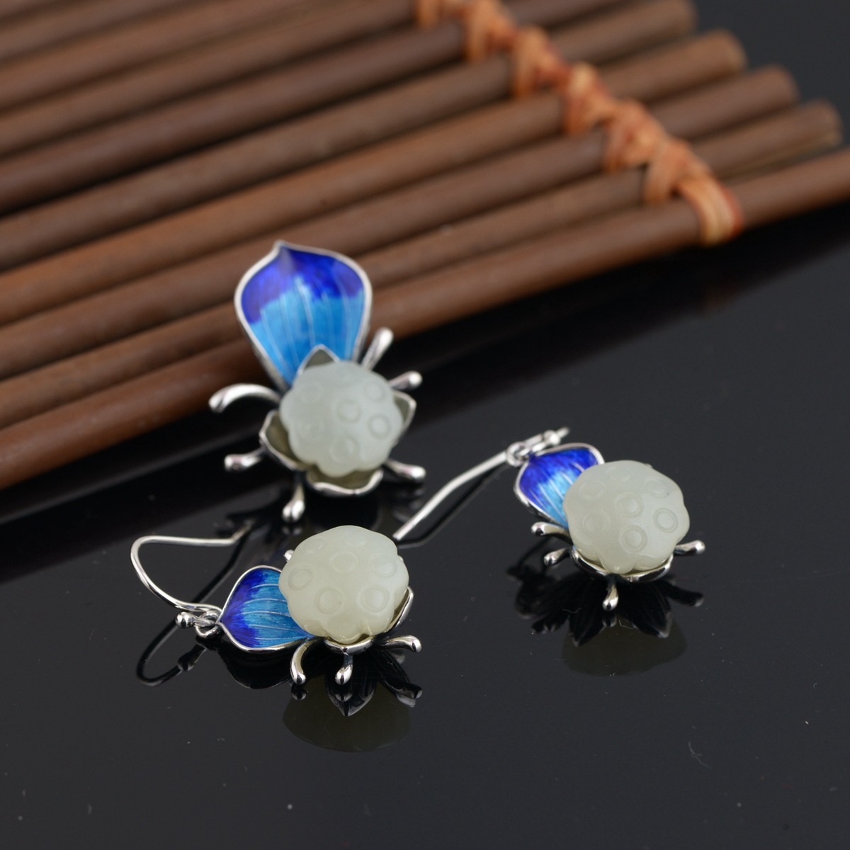 Hetian Jade Pendant Mana Burn Thai Silver Wholesale S925 Pure Silver Inlay Earrings Delicate Female M2018y Gifts s925 pure silver personality female models new beeswax